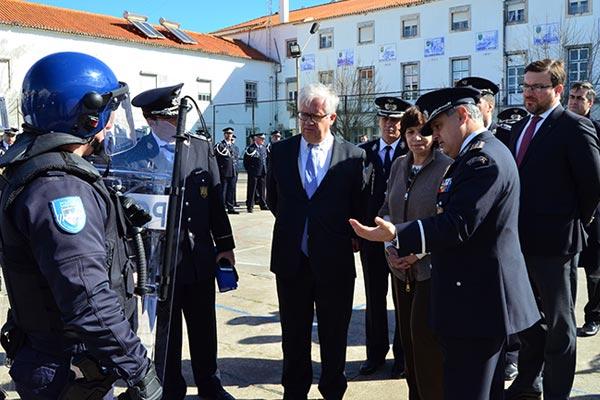 Ministro entrega equipamentos à PSP em Santarém